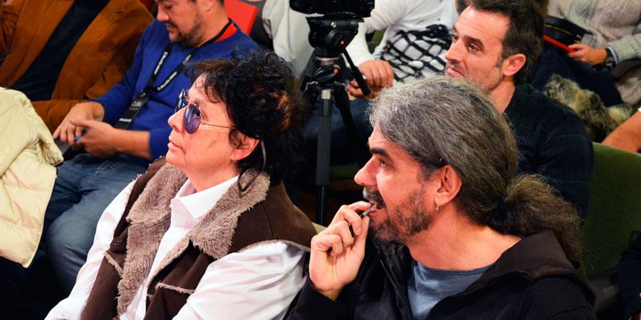 La inauguración ha contado con rostros reconocidos del séptimo arte como Fernando León, Lola Salvador o Daniel Guzman que han prestado atención a la representación teatral realizada en la gala inaugural de las Jornadas