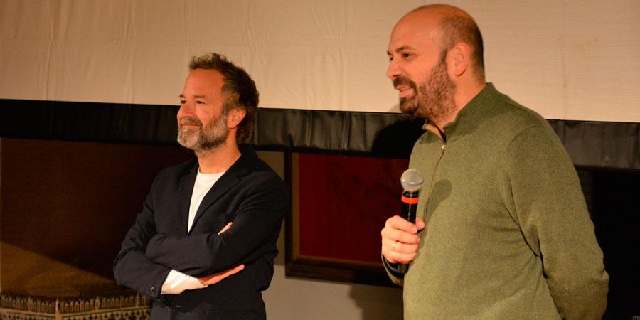 A la izquierda, Pedro Hernández, productor de La vida y nada más, y a la derecha, su director, Antonio Méndez