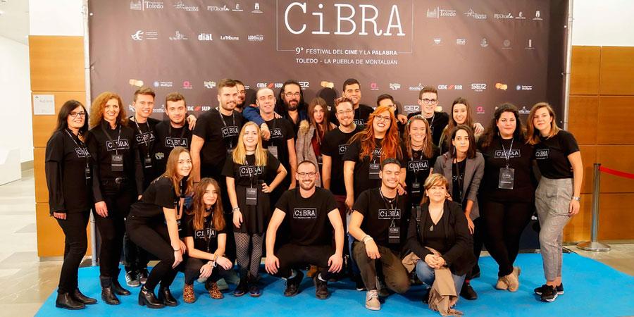 Una de las piezas clave para poder desarrollar cada año CiBRA son sus voluntarios. Aquellos jóvenes que colaboran con esta cita cultural que conjuga cine y literatura